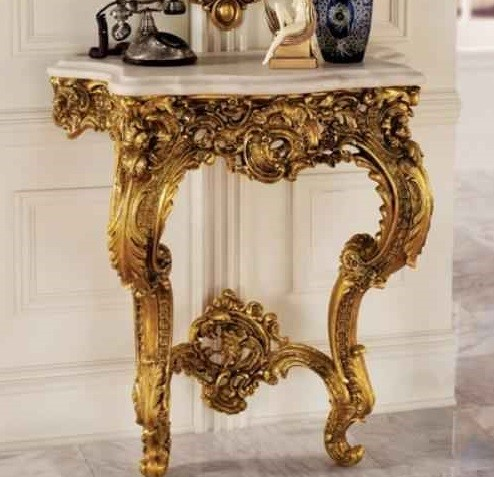 میز تلفن سلطنتی