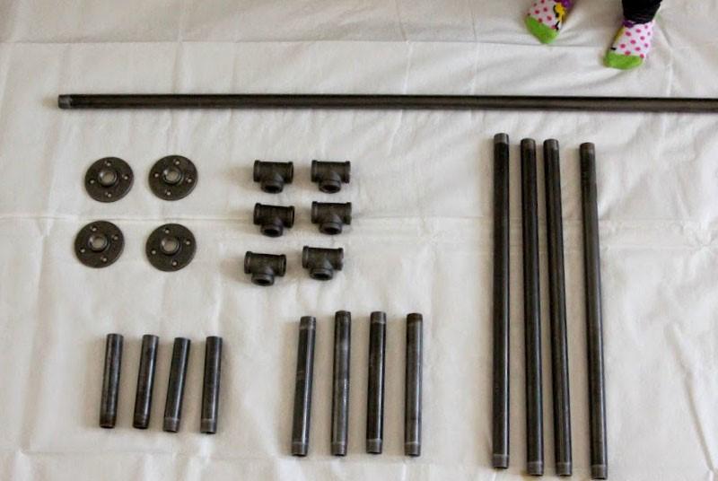 وسایل مورد نیاز برای ساخت میز چوبی با پایه فلزی